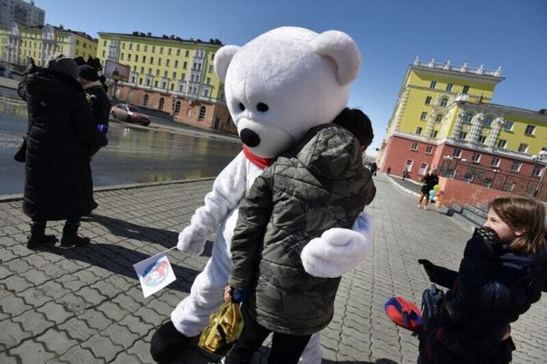 В Норильске прошла акция по сбору пластиковых крышек и та...
