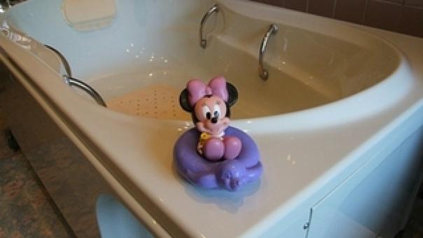 В Уссурийске годовалая девочка утонула в ванной из-за нед...