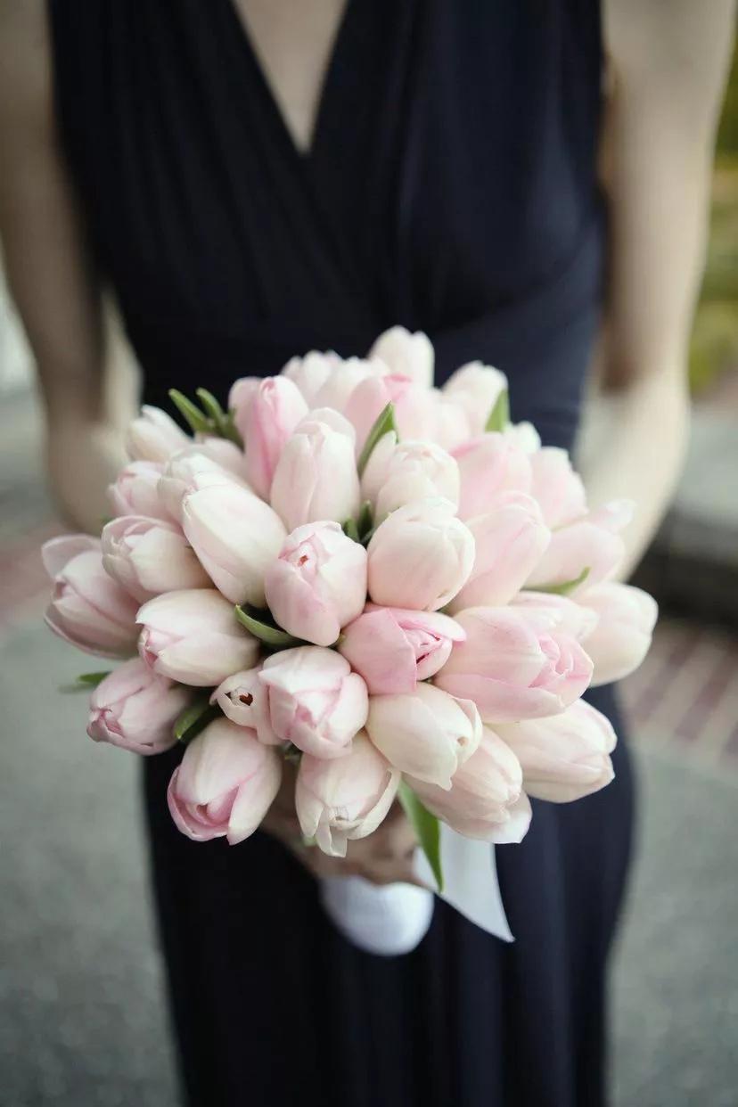 qeACU nZtME - Букет невесты из тюльпанов