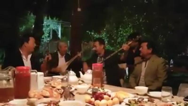 Трио - Полат Изимов( Казахстан), Акрамжан Моминов (Кыргызстан), Абдукерим Аблиз (СУАР)