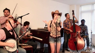 """Blurred Lines - Vintage """"Bluegrass Barn Dance"""" Robin Thicke Cover feat. Robyn Adele Anderson"""