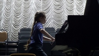 """Э. Элгар """"Салют д` амур"""" , исп. Виктория Курило (9 лет, 4-й год обучения)"""