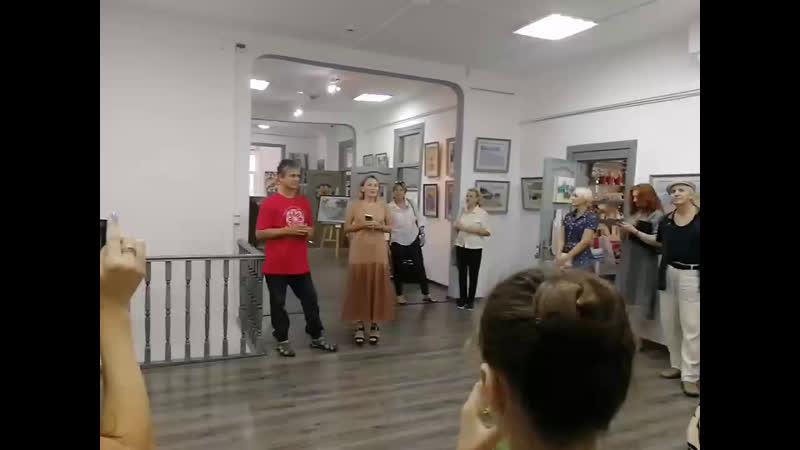 открытие художественной выставки в арт галерее