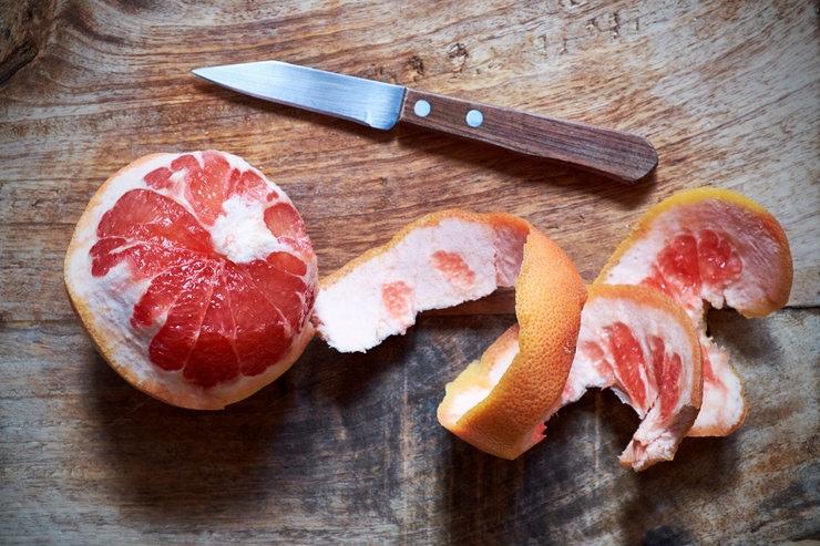 Только не в ведро! 10 полезных применений кожуры фруктов и овощей, изображение №3