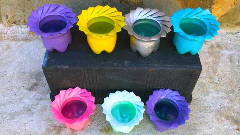 Hướng dẫn làm những chậu hoa từ chai nhựa đầy màu sắc