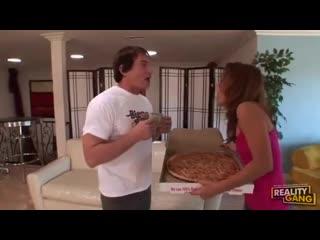 Ебучая сосисочная пицца [all sex, trash. pizza boy, incest, mom, teens, full please]