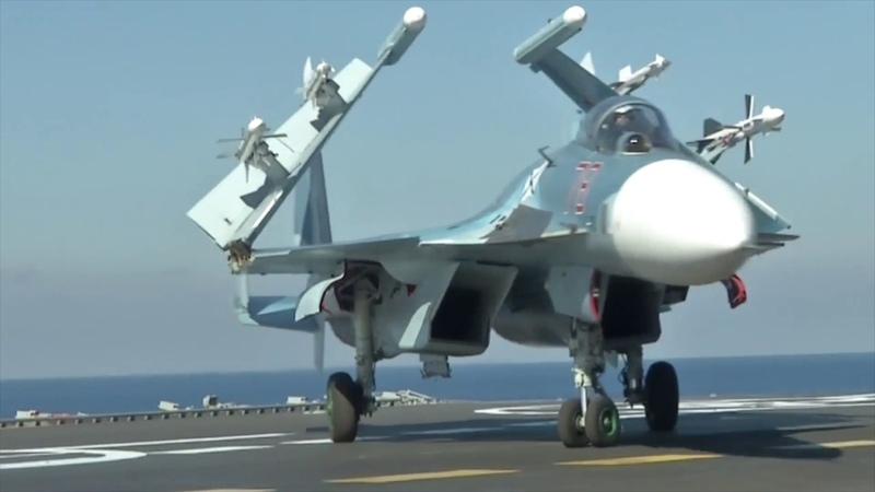 Взлеты самолетов с крейсера Адмирал Кузнецов у берегов Сирии