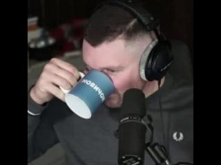 стас ай как просто пьёт НОВИЧОК две минуты и не умирает (навальный слит)