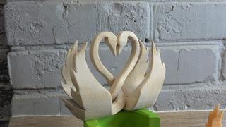 Поделка Влюбленные лебеди ко дню всех влюбленных выпиливание из дерева