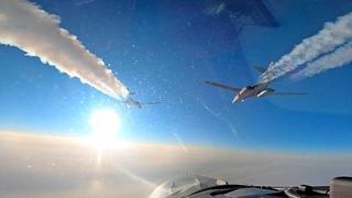 Бомбардировщики B-1B Lancer над Арктикой во время учений NORAD