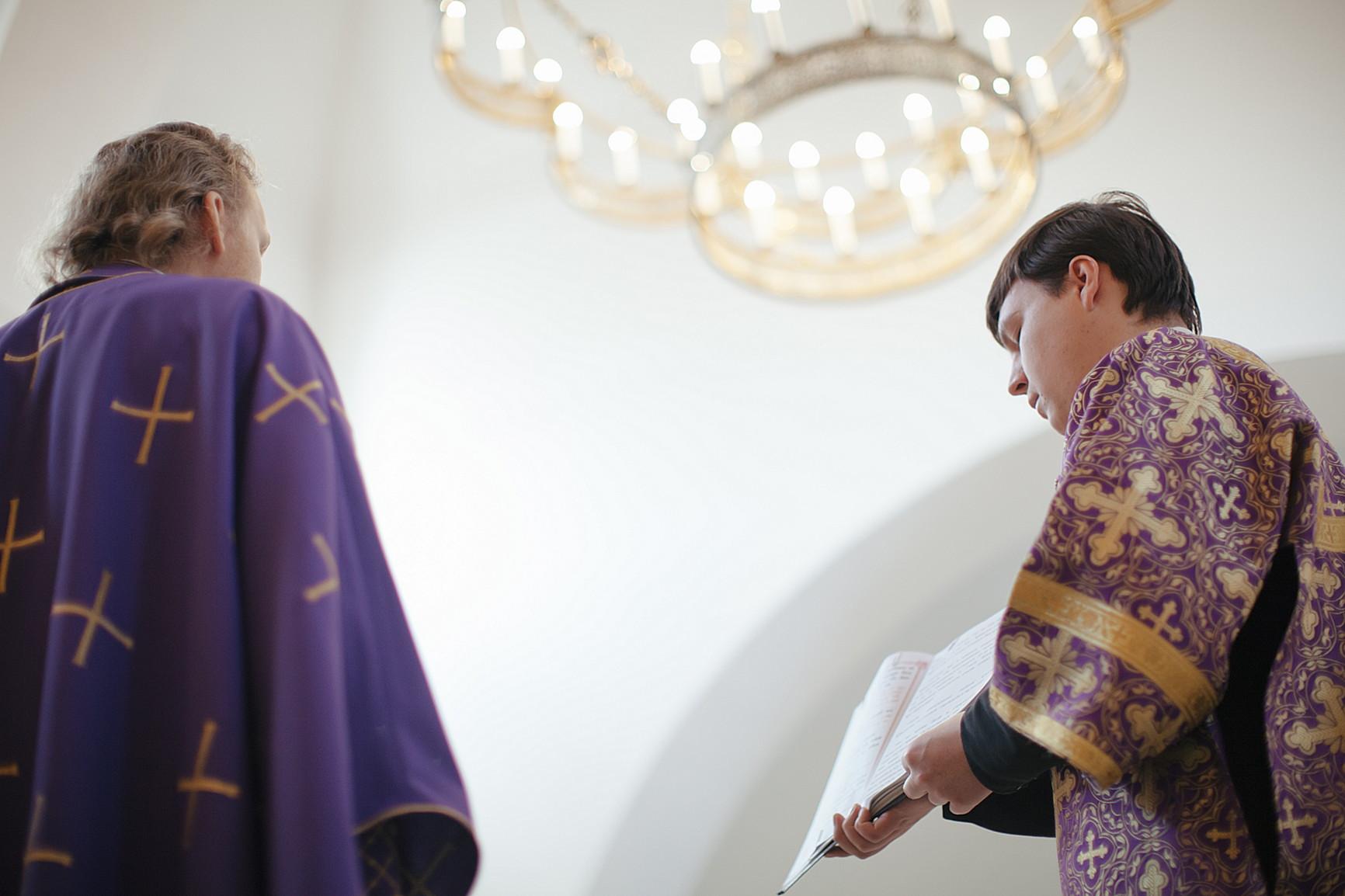 «День поклонения священному Кресту, придите к Нему все»: в Обители совершили богослужения Крестопоклонной Недели, изображение №7