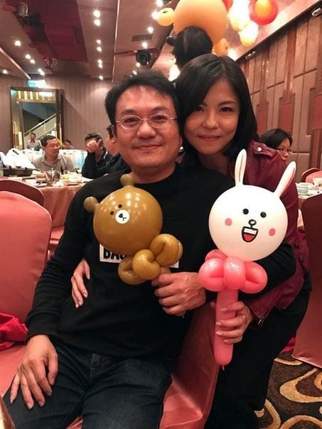 Парень спас свою будущую девушку за 11 лет до того, как они познакомились Жительница Тайваня, Линь Шаофен, 11 лет назад попала в автокатастрофу и только благодаря неизвестному донору с нужной