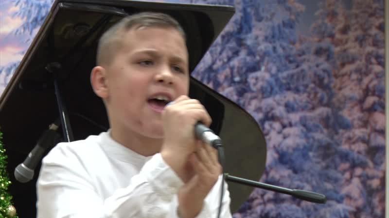Рафаэль Степанов исполняет песню Александра Ермолова дубль 2