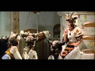 """10. Динь дон, я ваша мама  (из фильма """"Мама"""", 1976)"""