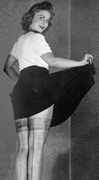Из истории чулок В 1935 году Уоллес Карозерс впервые показал миру нейлон, а на международной выставке 1939 года были представлены первые нейлоновые чулки. Дешевые и прочные, привлекательнее