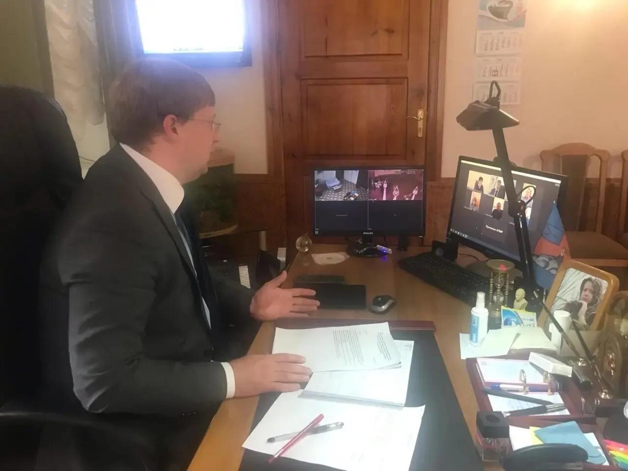 В районной администрации и межрайонной прокуратуре обсудили ситуацию с погашением задолженности по налогам и исковым требованиям